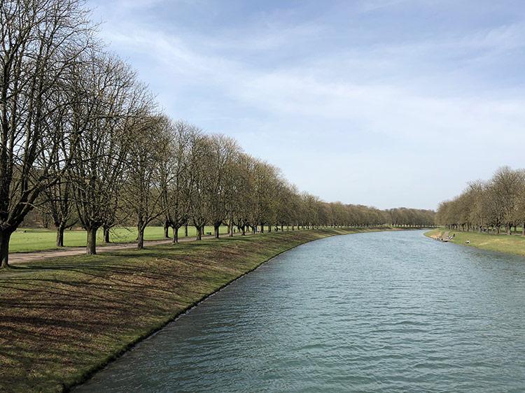 Allee am Kanal des Decksteiner Weihers